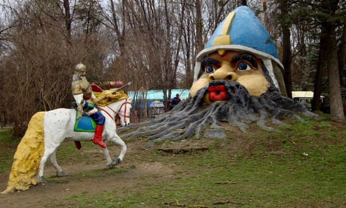 Detskiy-park-v-Simferopole[1]