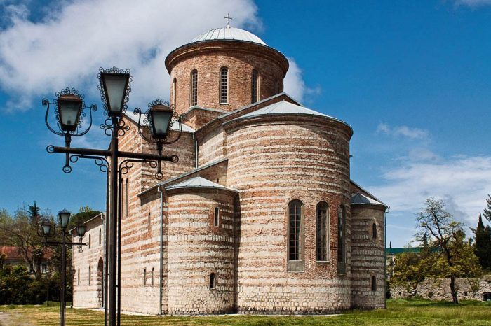 pitsundskij-hram-1[1]